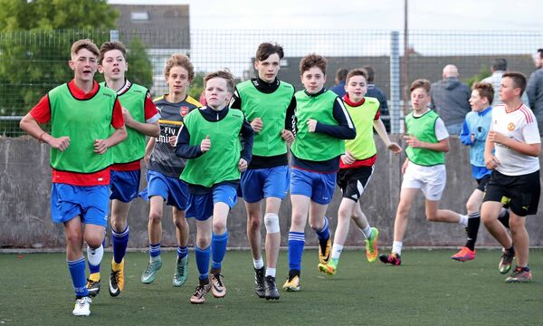 Leeds AFC Under 15 Div 3 Squad, warm up at training. Picture: Jim Coughlan.