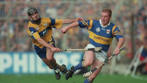 Declan Ryan of Tipperary and Seanie McMahon of Clare in 1997. Picture: INPHO/Patrick Bolger