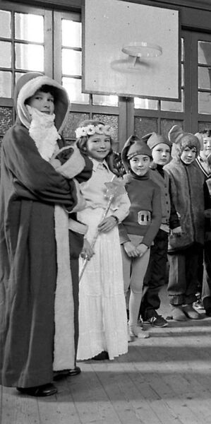 Young pupils of the Model School, Anglesea Street, Cork, in a Christmas pageant in 1982