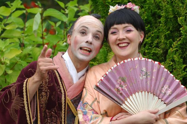 Simon Butteriss (Ko-Ko) and Maeve Morris (Yum-Yum) from the Carl Rosa Company production of Gilbert & Sullivan's The Mikado, pictured in Lakemount Garden, Glanmire, Co. Cork. Picture: Michael Mac Sweeney / Provision
