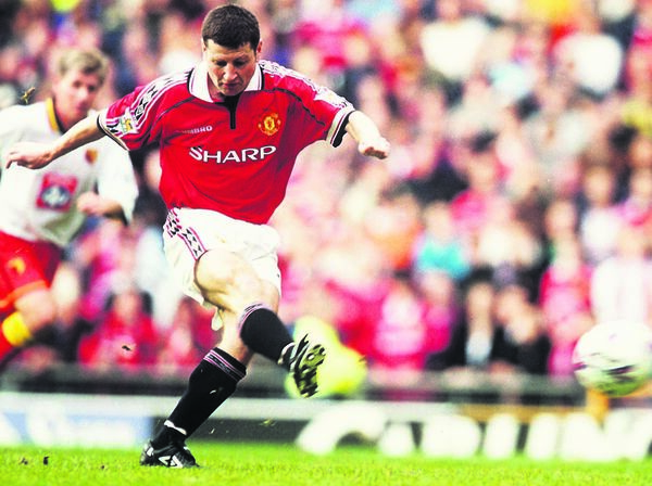 Denis Irwin is considering one of the greatest full-backs to ever play for Man United, having won it all at Old Trafford.