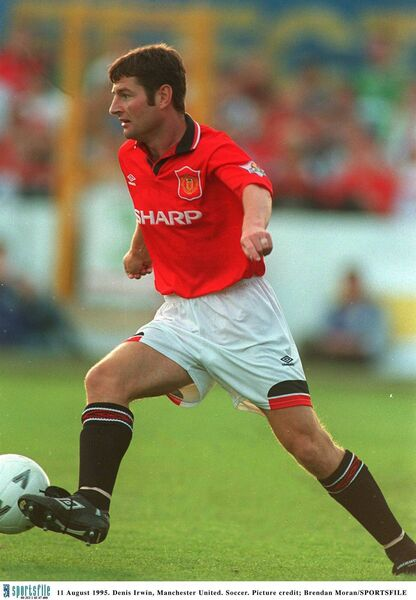 Denis Irwin on the ball for Manchester United in 1995. Picture: Brendan Moran/SPORTSFILE