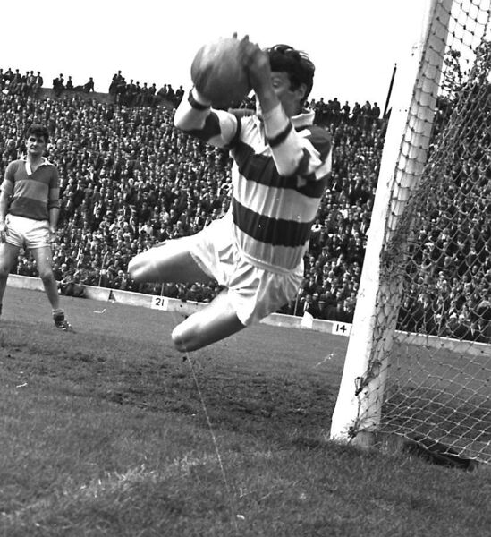 Billy Morgan makes a flying save.