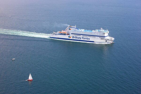 Brittany Ferries Armorique-port-side