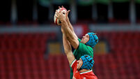 Tadhg Beirne competes in the air with Justin Tipuric 7/2/2021