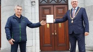 Lord Mayor Joe Kavanagh pays tribute to Mr Cork Boxing Tom Kelleher at City Hall
