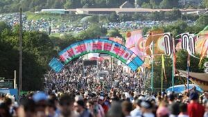 Music venues boss hits out at Glastonbury going online as live gigs restart
