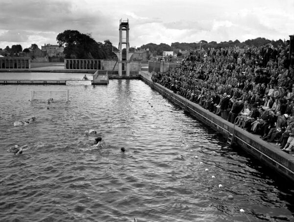 A large crowd watch the water polo international between Ireland and Scotland at the Lee Baths, Carrigrohane Road in August 1951.