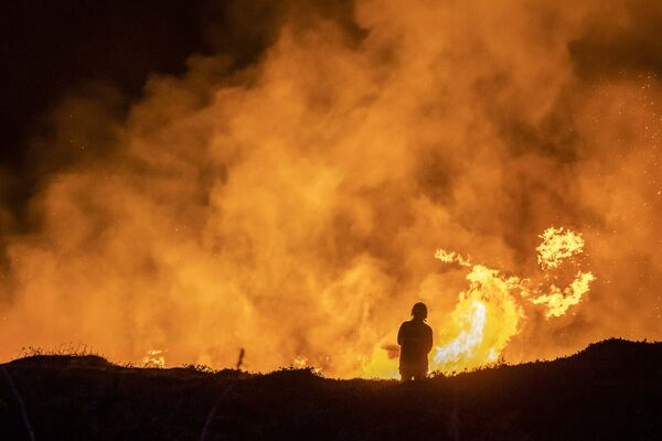 A massive gorse fire decimated hundreds of acres in Seskin, Bantry through the night. Three units of Bantry Fire Brigade attended the scene and through the use of controlled burning, hoses and beaters, brought the fire under control. Picture: Andy Gibson.