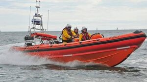 Crosshaven RNLI launch successful rescue of another vessel