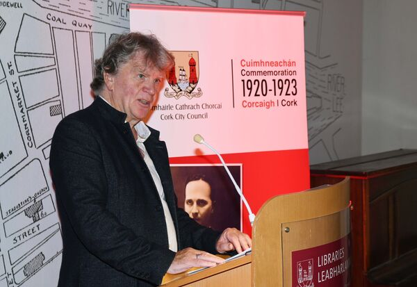 Liam Ronayne, former City Librarian, was the narrator of the songs at the launch of a CD 'Cork 1920: A City In Flames' in St. Peter's, Cork.